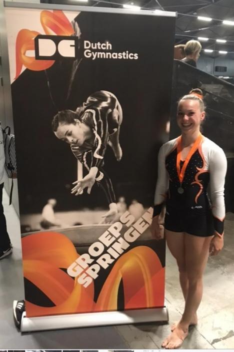 Celeste Voogt de nummer 1 van Nederland op minitrampoline